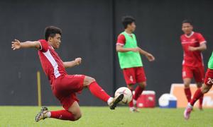 Đức Chinh luyện dứt điểm sau trận đấu Malaysia