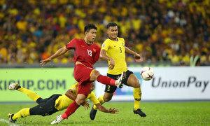 Fox Sports chỉ ra sai lầm của Việt Nam trong trận hòa Malaysia