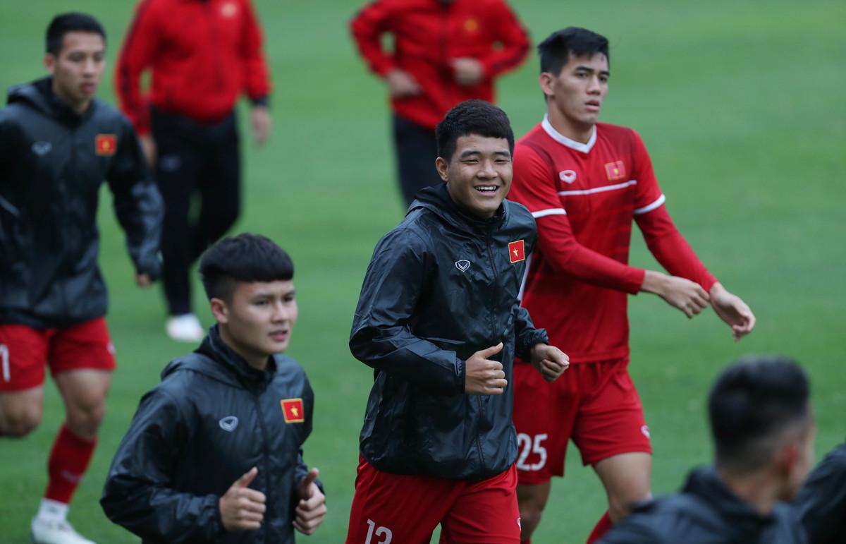 Quế Ngọc Hải phải tập riêng trước trận đấu Malaysia