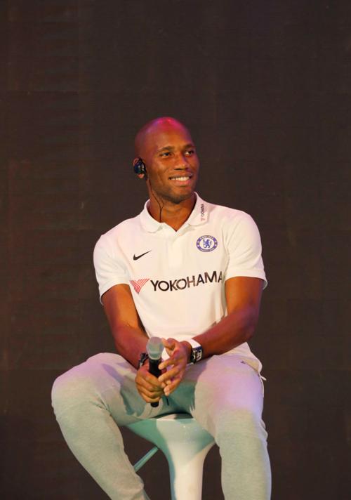 Drogba sẽ theo học khóa huấn luyện viên và người hâm mộ có thể chờ đợi anh tái xuất trên sân cỏ trong vai trò mới.