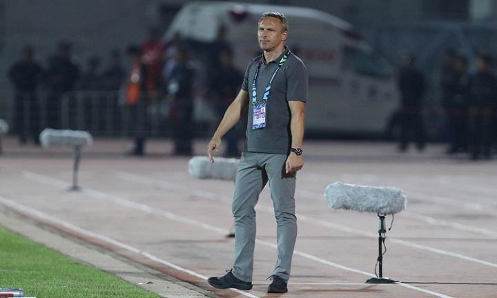 Ông Antoine Hey trong trận đấu giữa Myanmar và Việt Nam tại vòng bảng AFF Cup 2018. Ảnh: Đức Đồng.