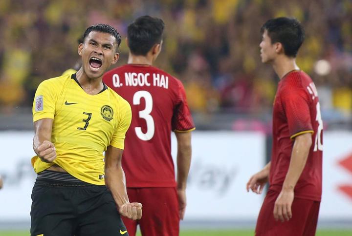 Shahrul Saad ăn mừng bàn thắng trong trận hòa Việt Nam 2-2 tại Bukit Jalil ngày 11/12. Ảnh: Lâm Thỏa