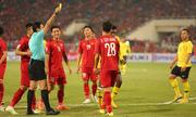 Mưa thẻ trong trận chung kết lượt về giữa Việt Nam và Malaysia