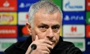 Gary Neville: 'Lãnh đạo Man Utd quá ngây thơ trước Mourinho'