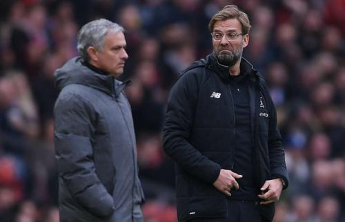 Klopp mang vận đen cho Mourinho từ Tây Ban Nha tới nước Anh. Ảnh:Reuters.