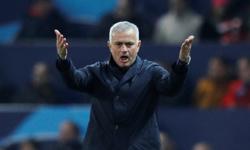Man Utd sa thải Mourinho