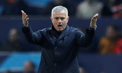 Mourinho bất ngờ bị sa thải dù không có tin đồn. Ảnh: Reuters.