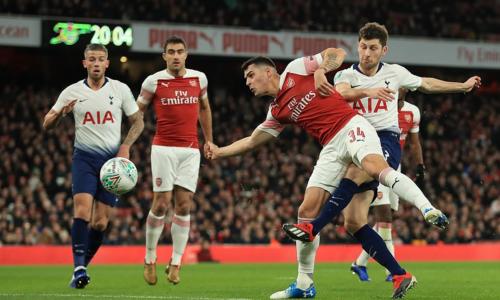 Xhaka không đảm bảo sự chắc chắn cho hàng thủ Arsenal. Ảnh:AFP.