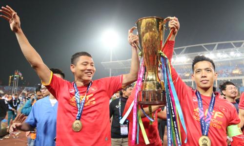 Anh Đức (trái) và Văn Quyết đều vắng mặt ở Asian Cup. Ảnh: Đức Đồng.
