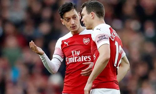 Ozil để lại dấu ấn trong bàn mở tỷ số nhưng nhiều khả năng sẽ sớm rời Arsenal. Ảnh: Reuters.