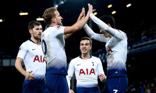 Kane và Son cùng nhau mang về chiến thắng cho Tottenham. Ảnh:Rex.