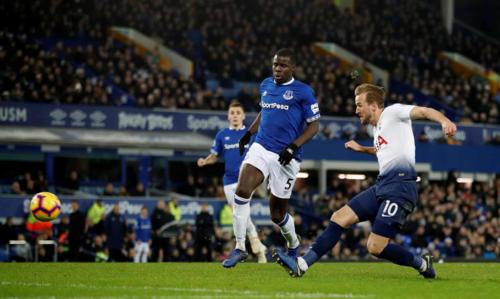 Kane ghi cú đúp ở mỗi trận trong bốn lần gần nhất chạm trán Everton. Ảnh:Reuters.