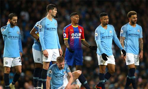Man City đột nhiên đánh mất mình trong tháng 12/2018. Ảnh: Reuters