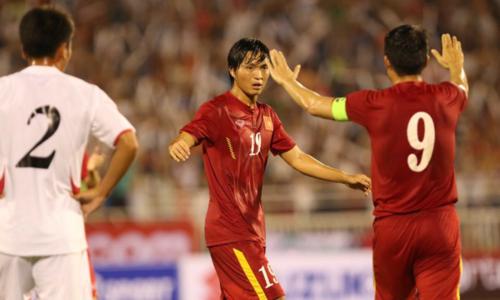 Việt Nam (áo đỏ) thắng đậm Triều Tiên ở lần đối đầu gần nhất. Ảnh: Đức Đồng.