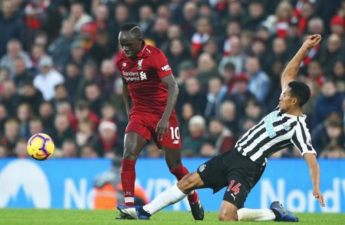Newcastle không thể ngăn cản Liverpool đang hừng hực khí thế. Ảnh:AFP.