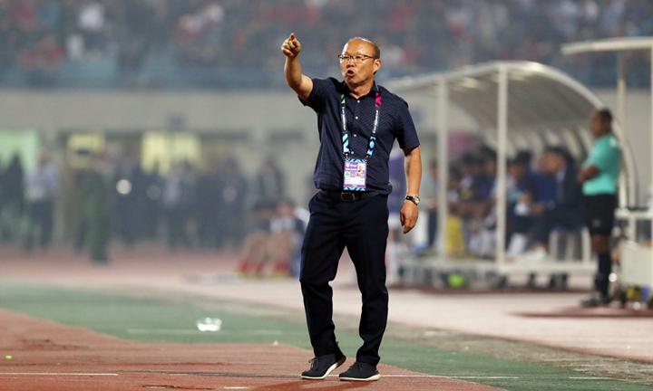 Trong một năm ở Việt Nam, ông Park đã đưa các học trò vào chung kết U23 châu Á, bán kết Asiad và vô địch AFF Cup. Ảnh: Đức Đồng.