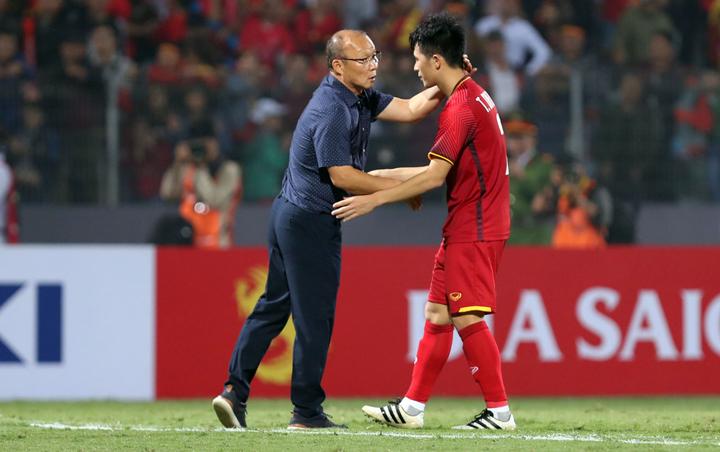 Ông Park luônnhận được sự kính trọng và yêu mến của các cầu thủ Việt Nam. Ảnh: Đức Đồng.