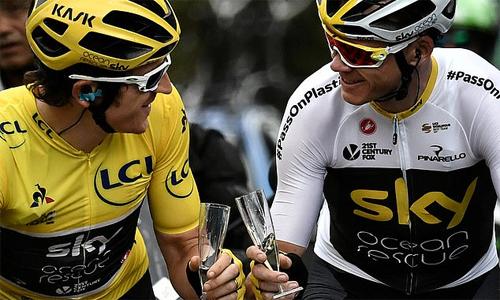 Froome (phải) và Thomas sẽ là chủ lực của đội Sky tại Tour de France 2019. Ảnh: Reuters.