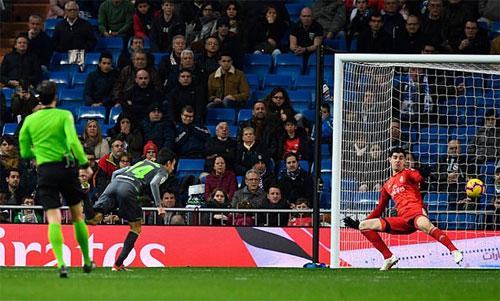 Pardo buộc Real trắng tay trên sân nhà.