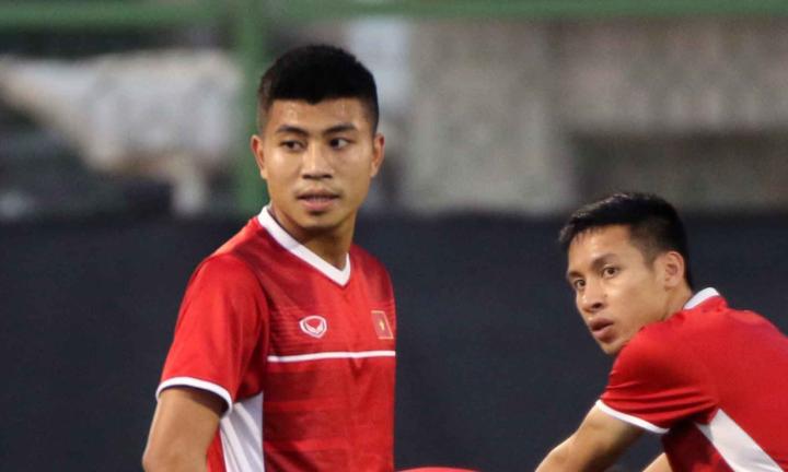Thanh Bình (trái) không cạnh tranh được vị trí trung phong với Tiến Linh và Đức Chinh. Ảnh: VFF.
