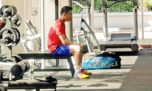 Lee bắt đầu trở lại bằng bài tập trong phòng gym. Ảnh: NewMPB.