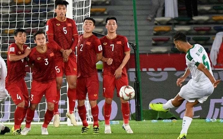 Bàn thắng của Adnan ấn định chiến thắng 3-2 cho Iraq. Ảnh: AFP.