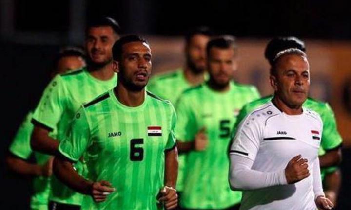 Ali Adnan (số 6) là cầu thủ nổi tiếng nhất của Iraq hiện tại. Ảnh: Kooora.