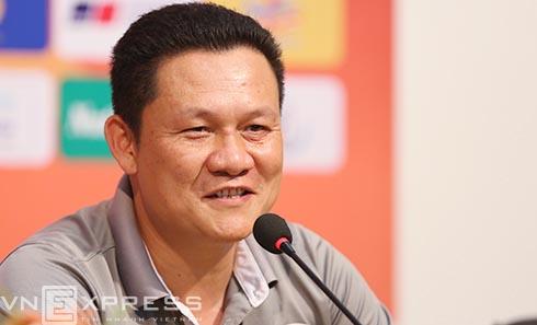 HLV Nguyễn Quốc Tuấn từng có hai năm dẫn dắt HAGL nhưng không thành công ở V-League. Ảnh: Đức Đồng.