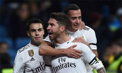Ramos có tròn 100 bàn cho Real. Ảnh: Reuters