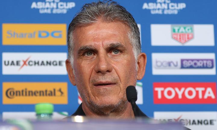HLV Queiroz tỏ ra rất thận trọng khi nói về trận đấu với tuyển Việt Nam. Ảnh: Văn Lộc.
