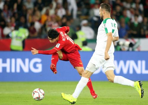 Công Phượng là người góp dấu ấn trong cả hai bàn thắng của Việt Nam trước Iraq. Ảnh: Anh Khoa.