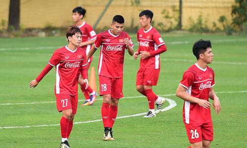 Tiền đạo Đinh Thanh Bình (28) bị HLV Park Hang-seo loại trước thềm Asian Cup nhưng anh sẽ là cầu thủ quan trọng ở đội U22 Việt Nam sắp tới. Ảnh: Giang Huy.
