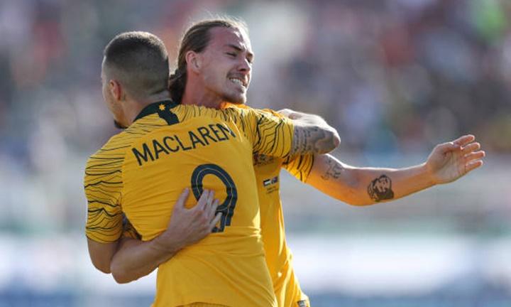 Maclaren (số 9) là người mở tỷ số cho Australia tối 11/1. Ảnh: AFC.