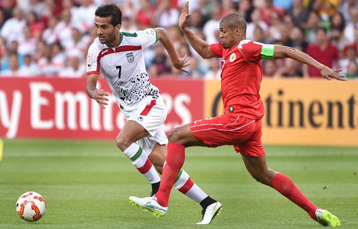 Masound Shojaei (số 7) bất ngờ với màn trình diễn của Việt Nam trước Iraq.