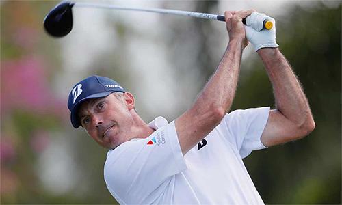 Kuchar tiếp tục thể hiện phong độ đỉnh cao ở vòng ba Sony Open và có cơ hội đoạt danh hiệu PGA Tour thứ chín trong sự nghiệp. Ảnh: Golf.com.