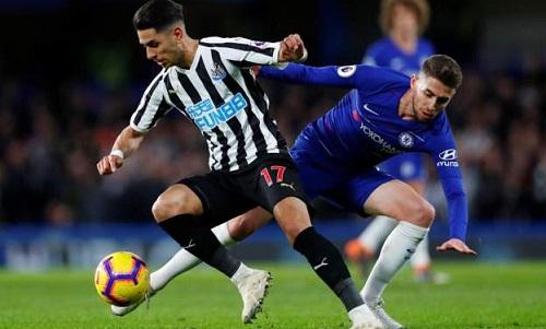 Newcastle có những cơ hội để tạo ra bất ngờ những không thể tận dụng. Ảnh: Reuters.