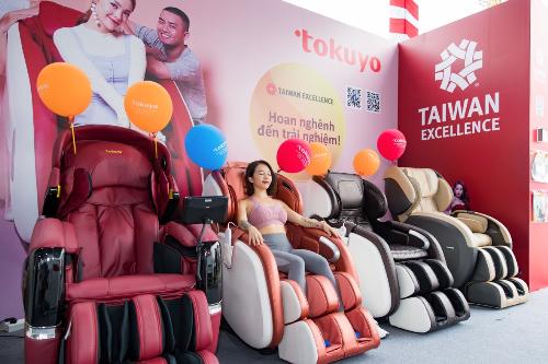 Trải nghiệm cùng những chiếc ghế hiện đại từ Tokuyo tại gian hàng của Taiwan Excellence.