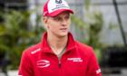 Ferrari ký hợp đồng với con trai Michael Schumacher