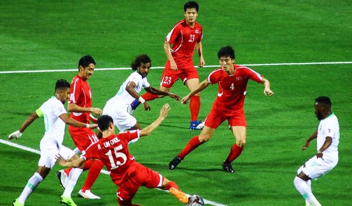 Triều Tiên để thủng lưới 10 bàn và nhận hai thẻ đỏ trong hai trận đã đấu. Ảnh: Fox.