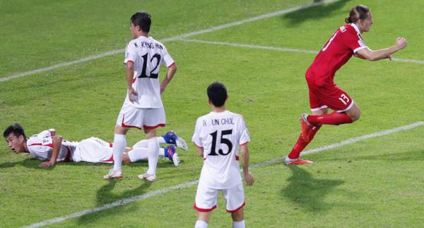 Triều Tiên (áo trắng) là một trong những đội gây thất vọng nhất ở Asian Cup 2019. Ảnh:AFC.