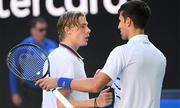 Djokovic thua set đầu tại Australia Mở rộng