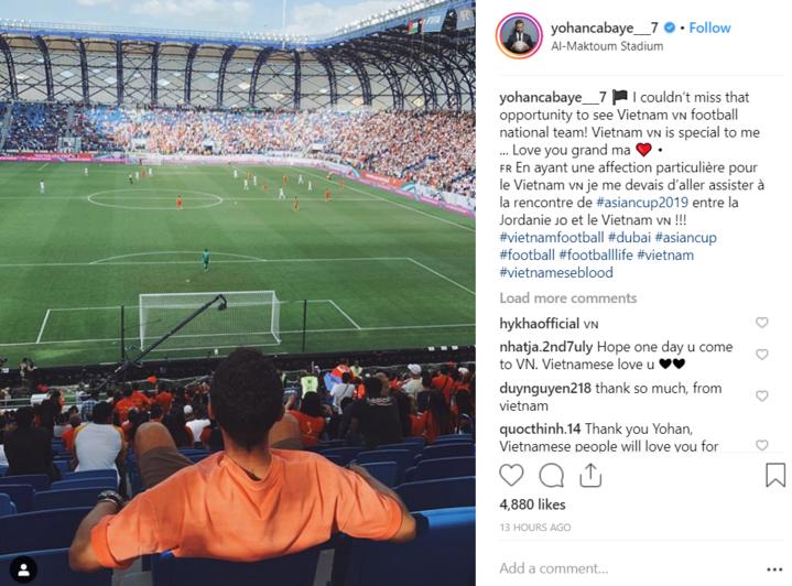 Cabaye (áo cam)tự hào khi xem Việt Nam hạ Jordan ở loạt đá luân lưu tại vòng 1/8 Asian Cup. Ảnh chụp màn hình.