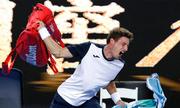 Đối thủ ném túi vợt khi thua Nishikori ở Australia Mở rộng