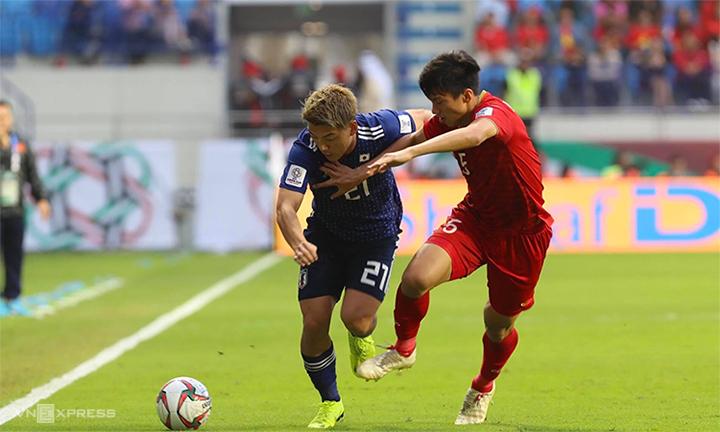Nhật Bản cầm bóng 68%, nhưng không thật sự lấn lướt trước tuyển Việt Nam. Ảnh: Đức Đồng.