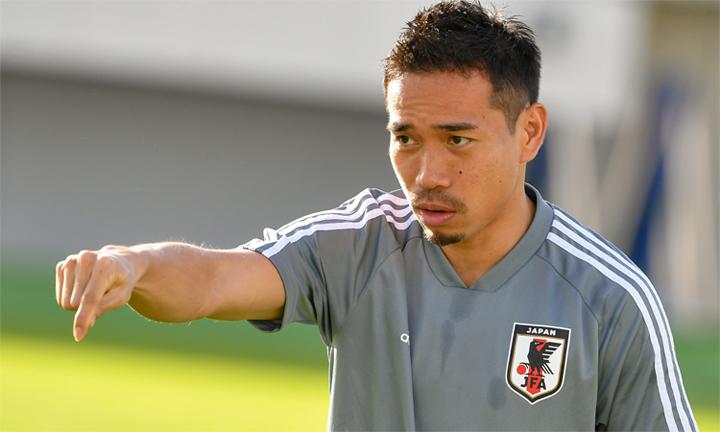 Nagatomo muốn đội nhà chơi chắc chắn để hạn chế sự nguy hiểm từ những đợt phản công của Việt Nam. Ảnh: Gekisaka.