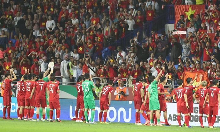 Việt Nam là đội bóng có tuổi trung bình trẻ nhất vàđược đánh giá là có lối chơi kiên cường tại Asian Cup. Ảnh: Đức Đồng.