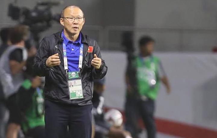 HLV Park Hang-seo tiếc nuối khi Việt Nam thua Nhật Bản 0-1 tại tứ kết Asian cup 2019 tối 24/1. Ảnh: Đức Đồng