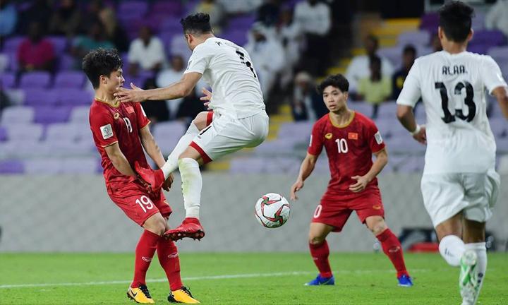Công Phượng và Quang Hải là hai cái tên được dự báo sẽ gây nhiều khó khăn hơn cả cho Nhật Bản khi đấu Việt Nam hôm nay. Ảnh: Anh Khoa.