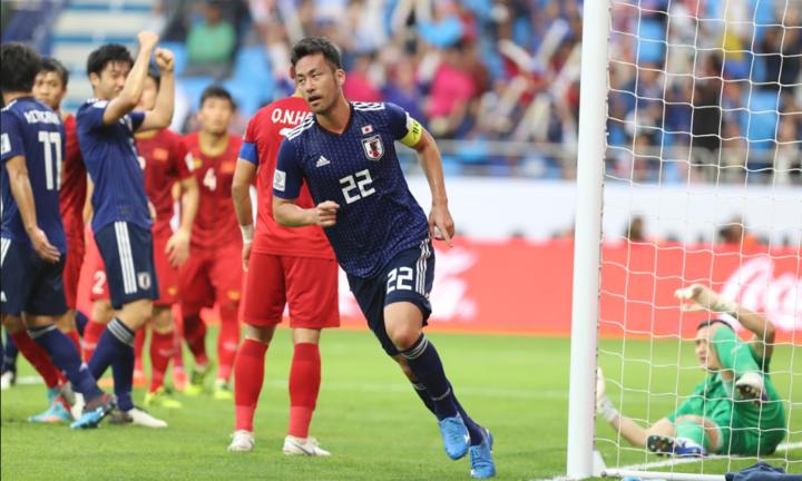Yoshida nhẹ nhõm khi Việt Nam không tận dụng được sai lầm của Nhật Bản trong hiệp một. Ảnh: Đức Đồng.