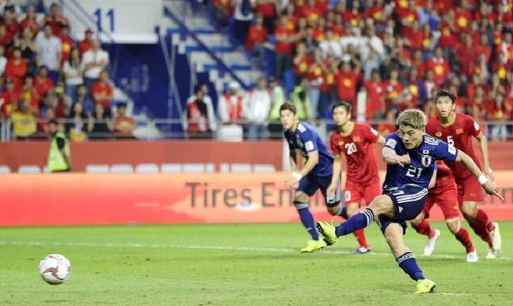 Doan thực hiện thành công quả phạt đền, mang về chiến thắng 1-0 cho Nhật Bản trước Việt Nam. Ảnh: JFA.